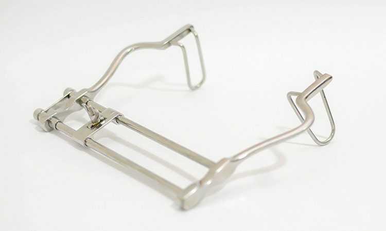 Manutenção de afastador cirúrgico